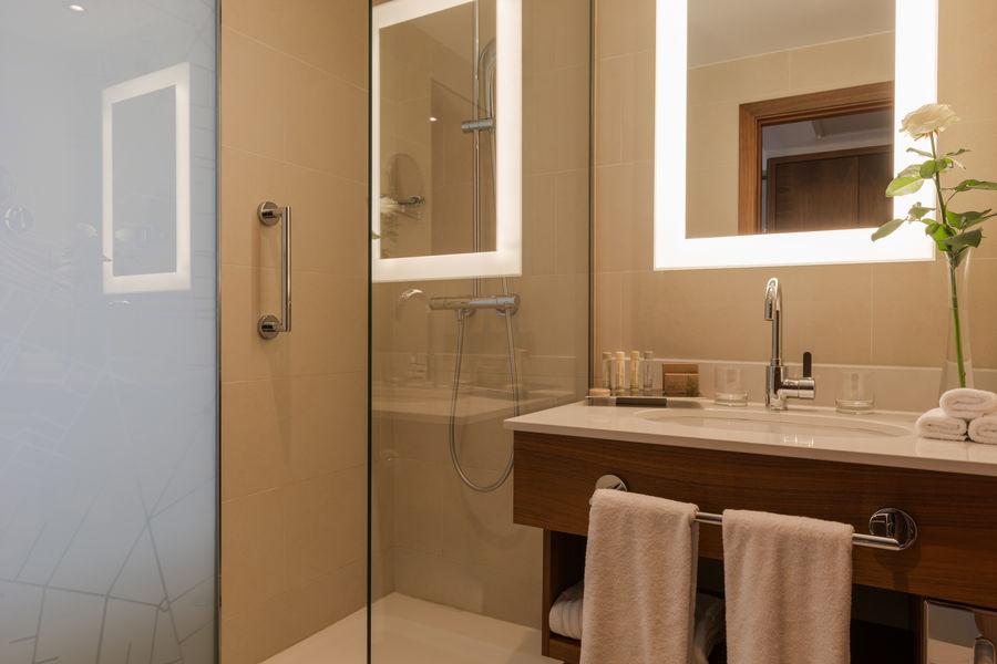 Crowne Plaza Paris - Neuilly  Salle de bain