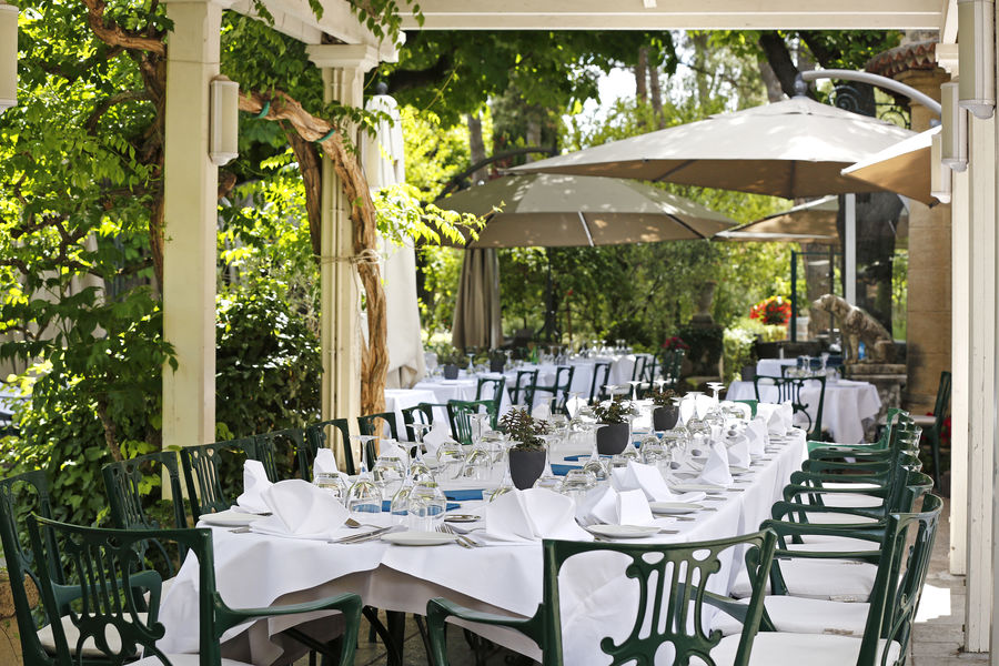 Hôtel le Pigonnet Aix-en-Provence ***** Déjeuner sous la pergola