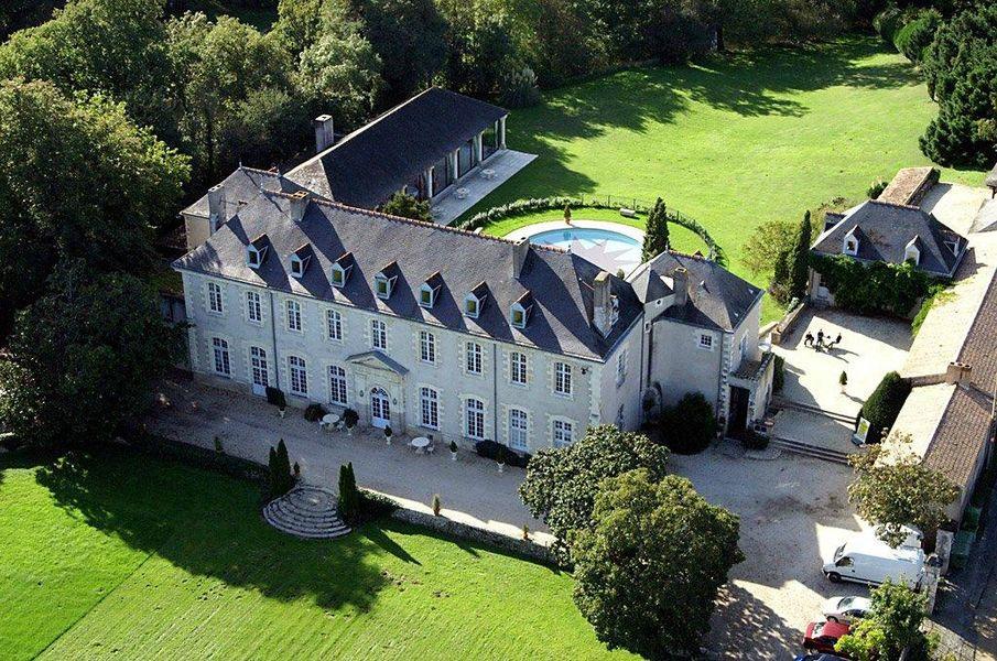 Abbaye de Villeneuve Abbaye de Villeneuve
