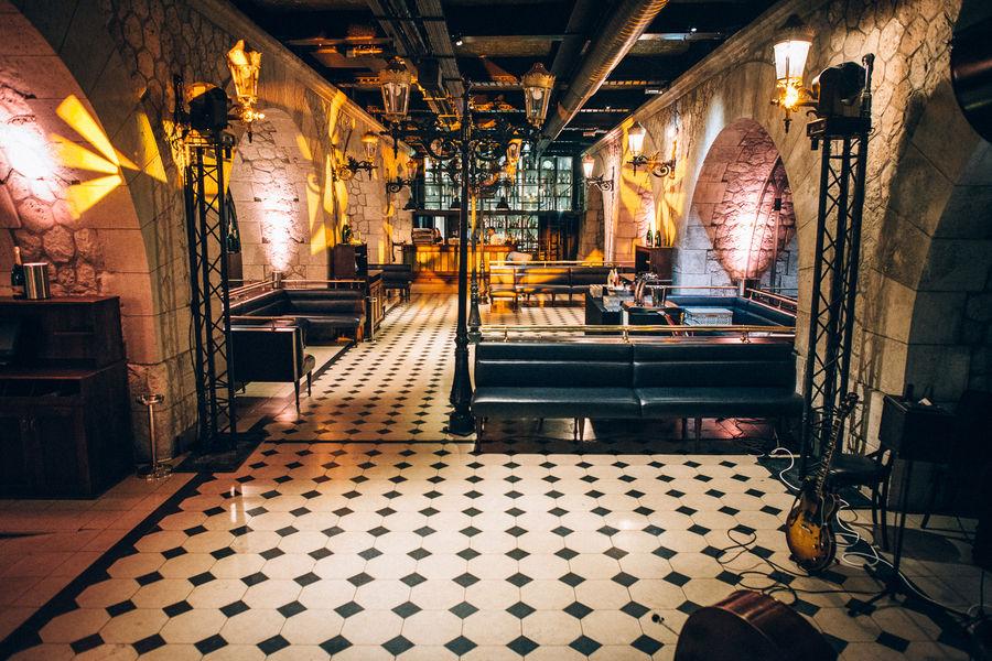 Faust  Restaurant