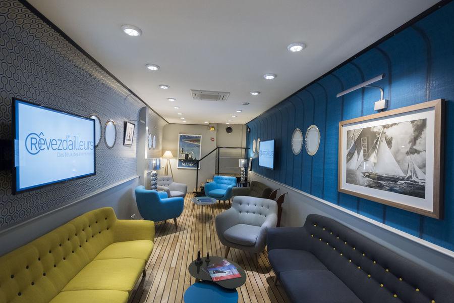 Le Navire Salle de sous commissions 3: Le Karé Bleu