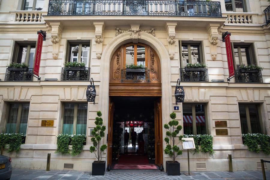 Buddha-Bar Hôtel Paris ***** Buddha-Bar Hôtel Paris *****