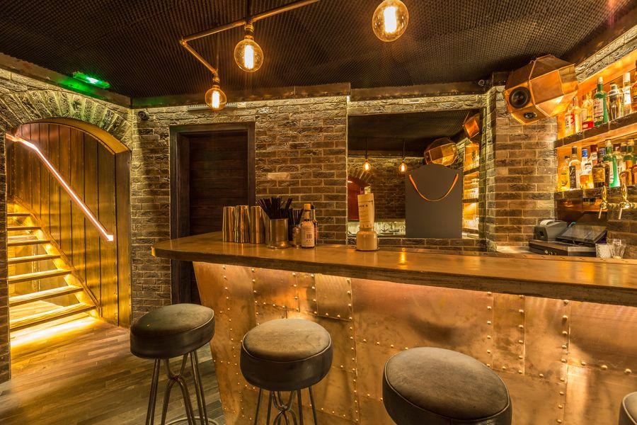 Trader's Bar de la Boiler Room