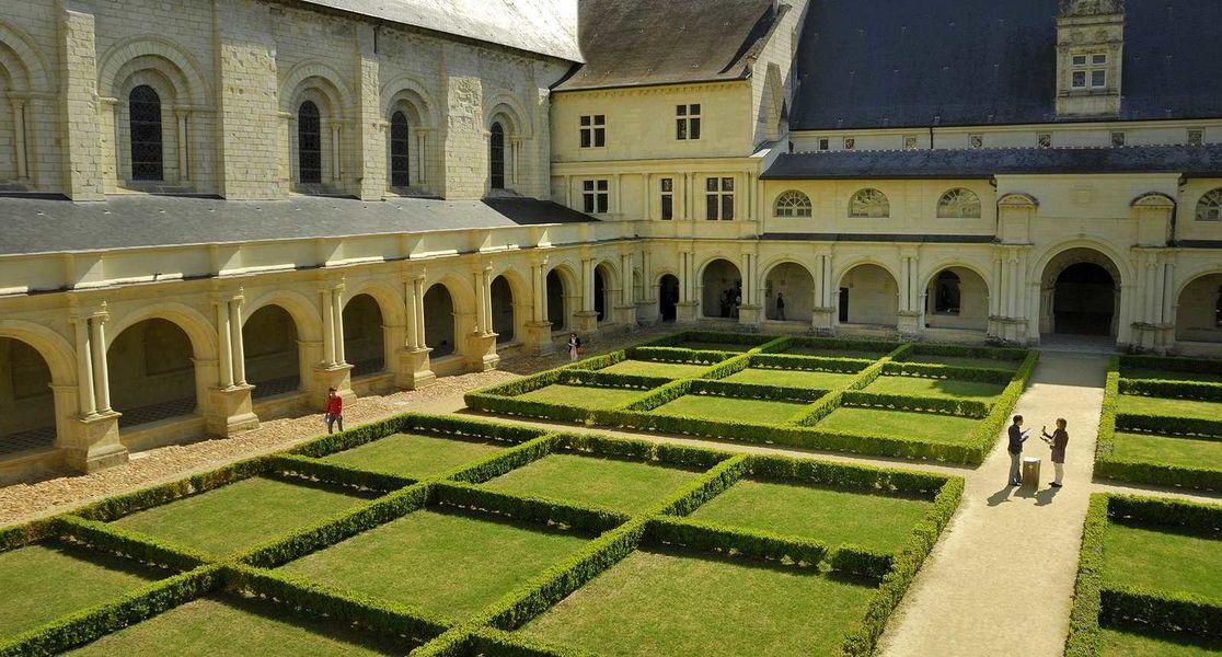 Abbaye de Fontevraud Le Cloître