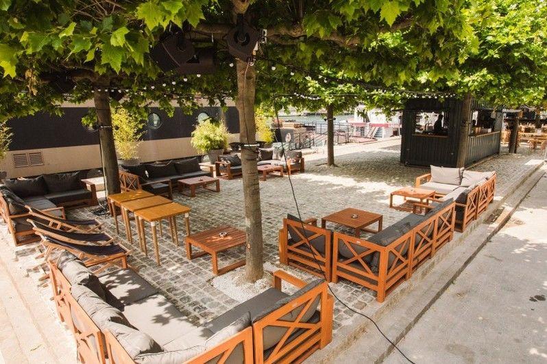 La démesure sur Seine Restaurant