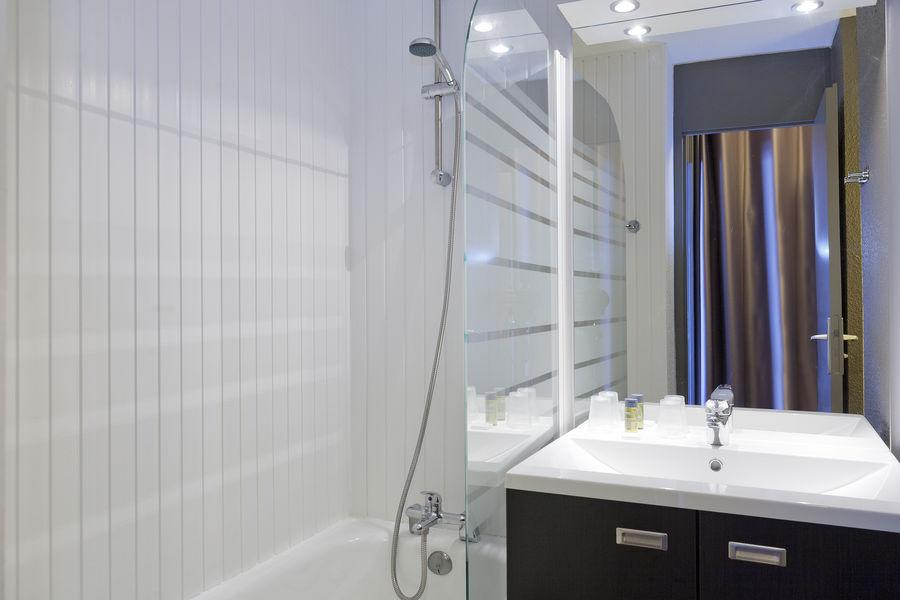 Hotel Club MMV Les Mélèzes Salle de bain