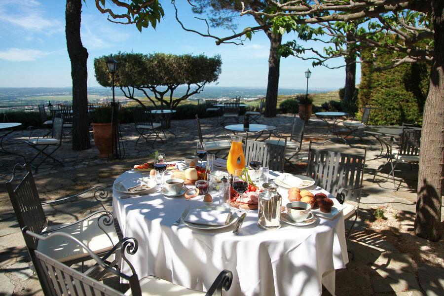 Abbaye de Sainte Croix **** Terrasse restaurant