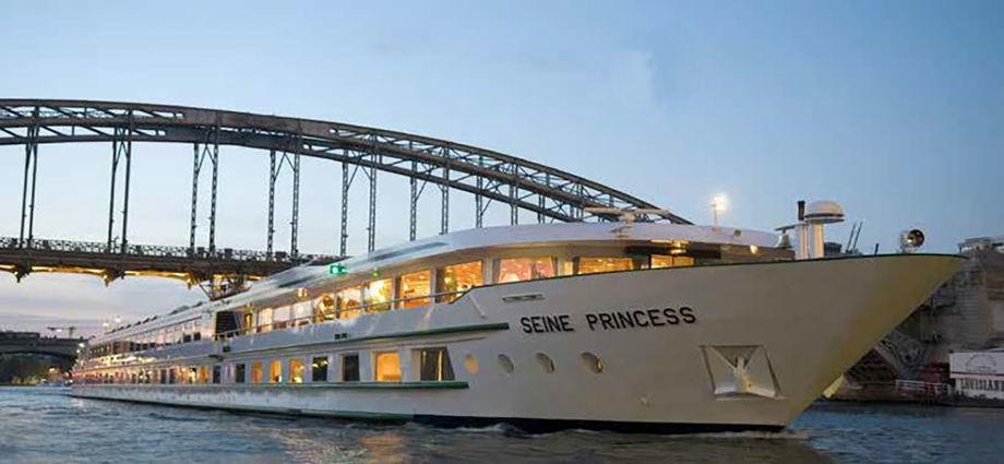 Business Boat croisiére sur les quais
