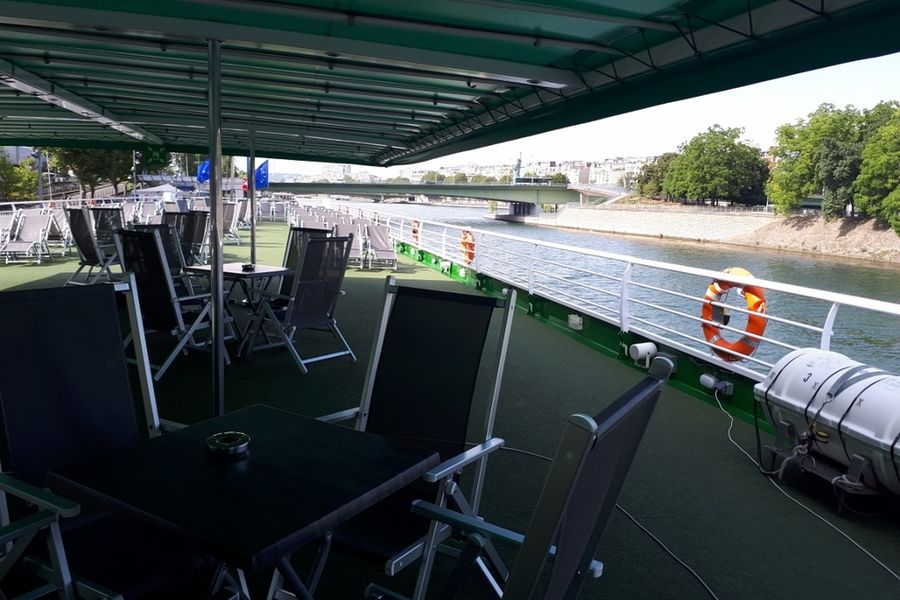 Business Boat top deck de 1000m²