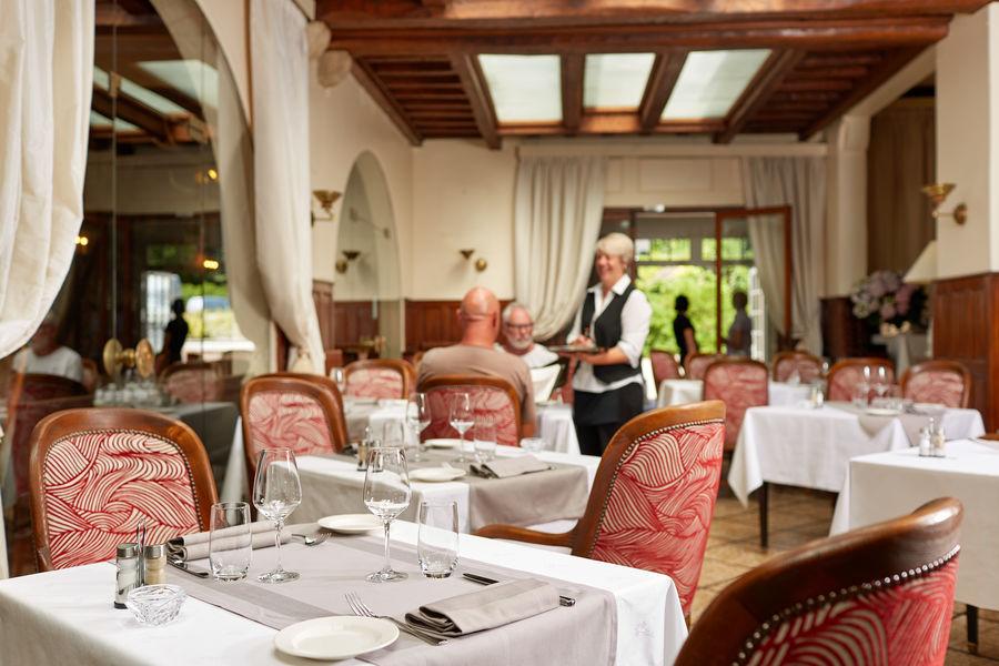 Relais des Trois Châteaux **** Salle de restaurant
