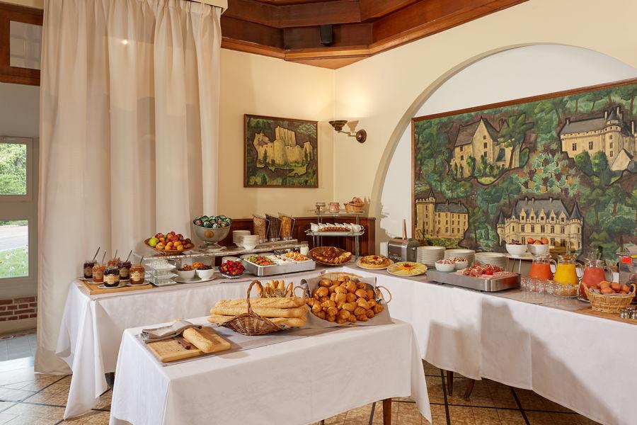 Relais des Trois Châteaux **** Petit-déjeuner fourni