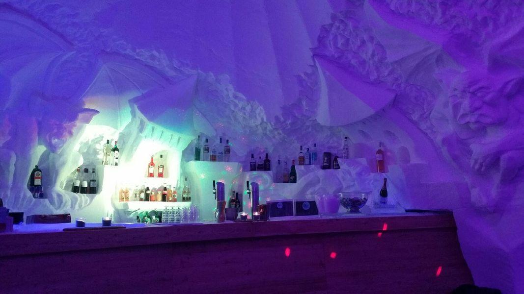 Village Igloo Les Arcs Bar de glace
