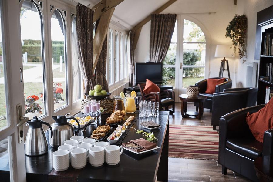 Le Fleuray Hotel & Restaurant Le Colonial La Véranda