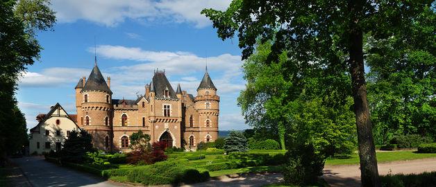 Façade Château de Maulmont
