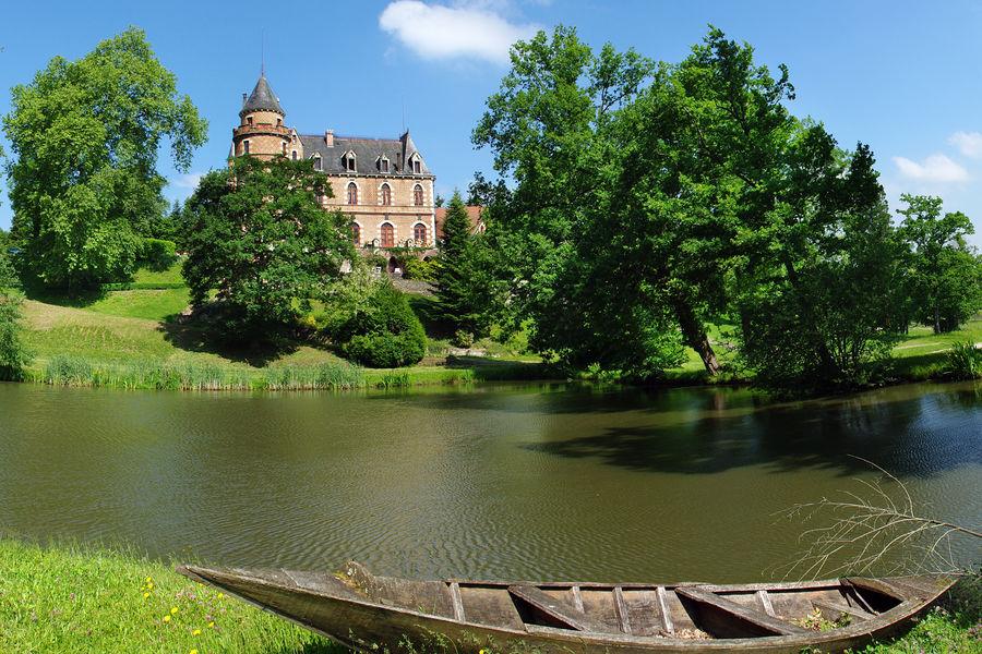 Château de Maulmont Vue étang