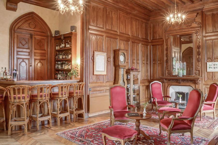 Château de Maulmont Bar
