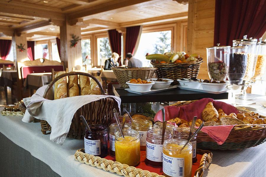 Hôtel Aux Ducs De Savoie **** Buffet du petit déjeuner
