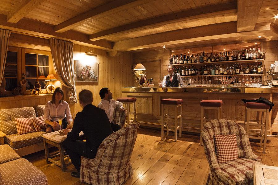 Hôtel Aux Ducs De Savoie **** Bar