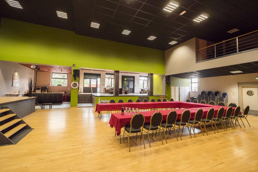 La Ruche la Grande Salle avec coin bar et espace lounge 330m2