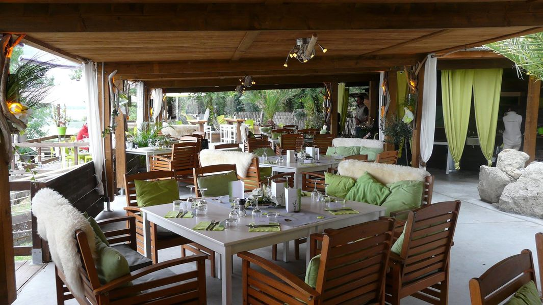 "Restaurant ""Histoires De..."" Salle principale"