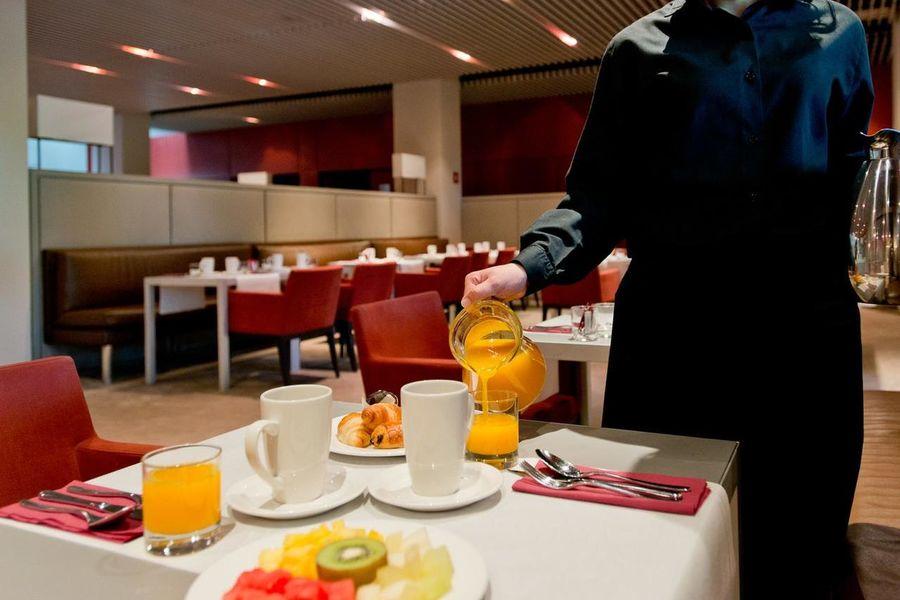 La Mola Hotel & Conference Center Restaurant