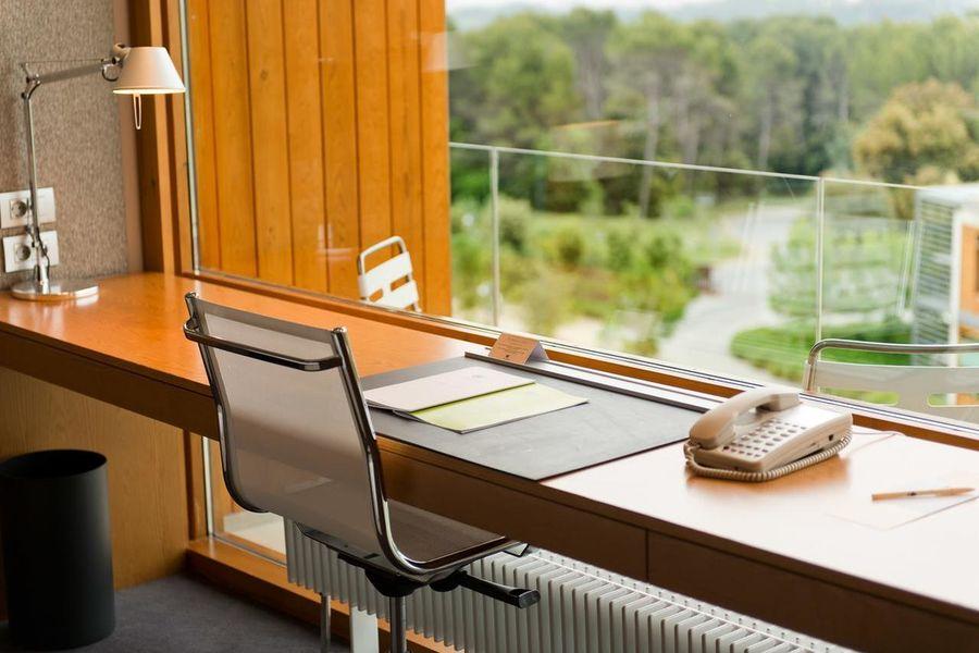La Mola Hotel & Conference Center Chambre