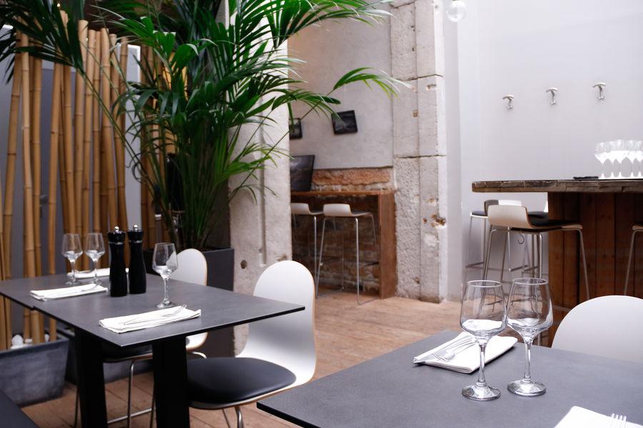 L'Encart - Restaurant & Wine style Salle sous la verrière
