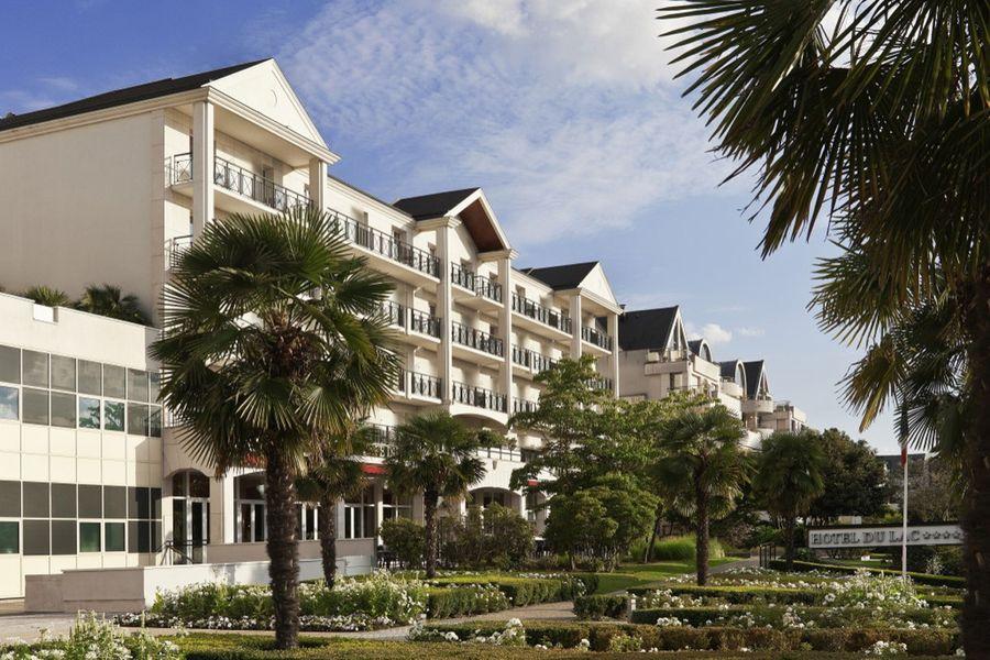 L'Hôtel du Lac Enghien-les-Bains **** Façade