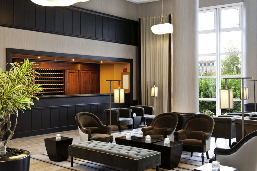 L'Hôtel du Lac Enghien-les-Bains **** Lobby