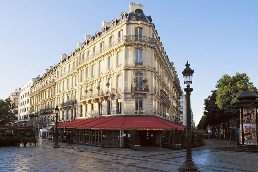 Hôtel Barrière Le Fouquet's ***** Hôtel Barrière Le Fouquet's *****
