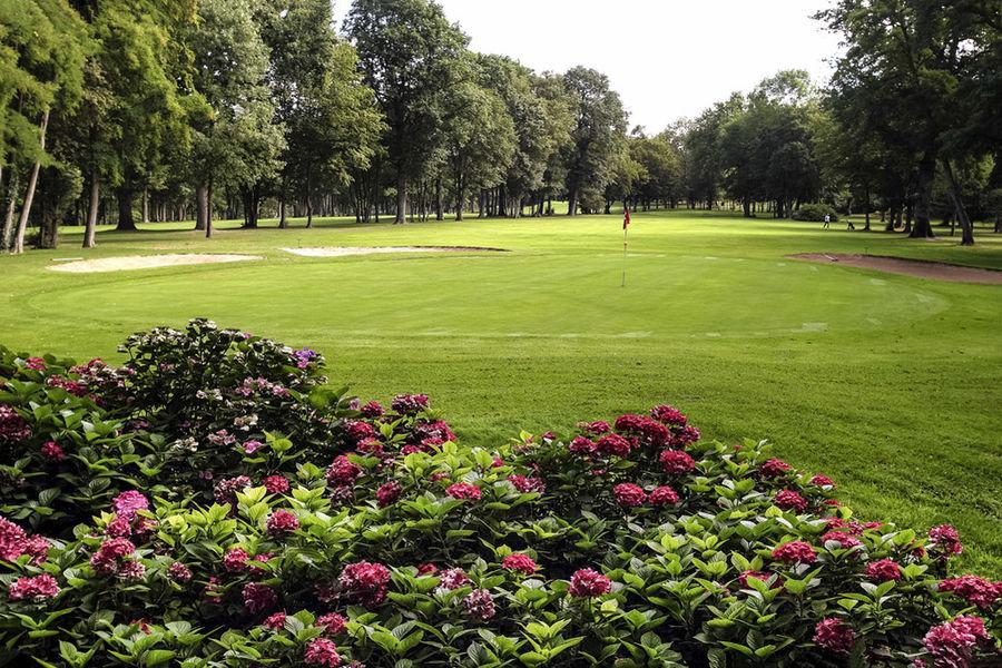 Mercure Paris Sud Parc du Coudray **** Parc avec Practice de Golf
