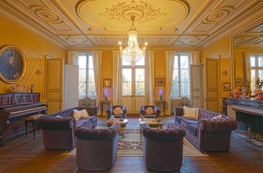 Chateau de La Borderie  Salon Château