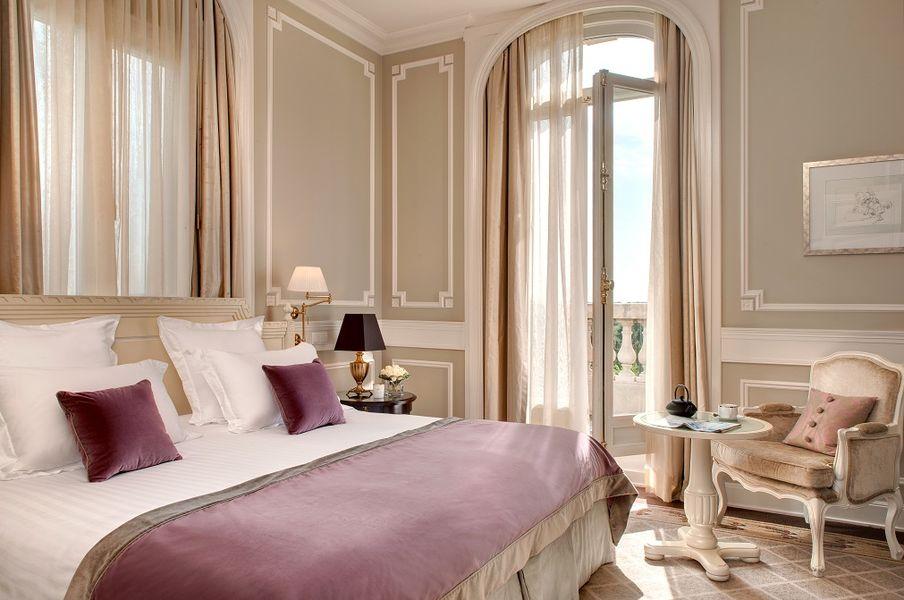 Tiara Château Hôtel Mont Royal ***** Chambre Royale