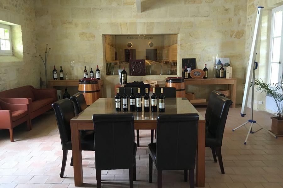 Château de Séguin Salle de dégustation (Sous commission)