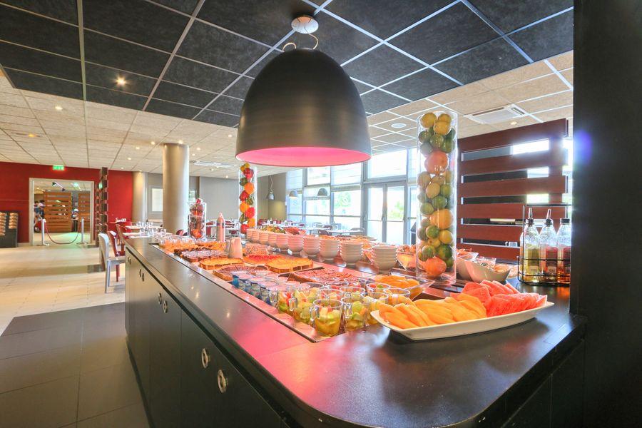 Hôtel Campanile Roissy ** Buffet Restaurant