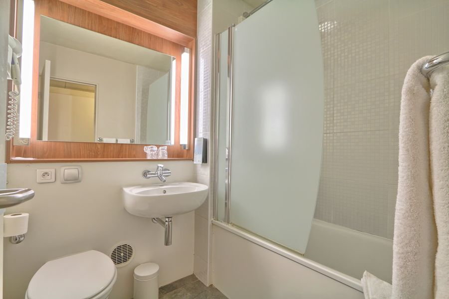 Hôtel Campanile Roissy ** Salle de bain