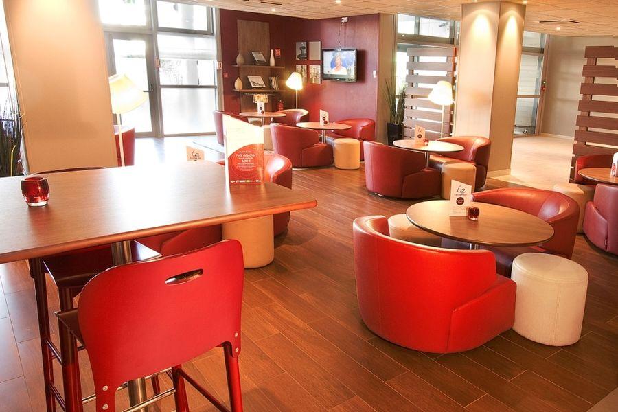Hôtel Campanile Roissy ** Bar