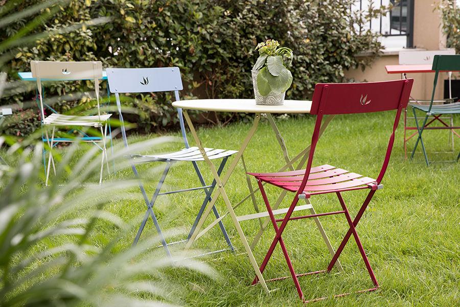 La Filature La jardin, calme et reposant, idéal pour travailler ou déjeuner lors d'une journée ensoleillée.