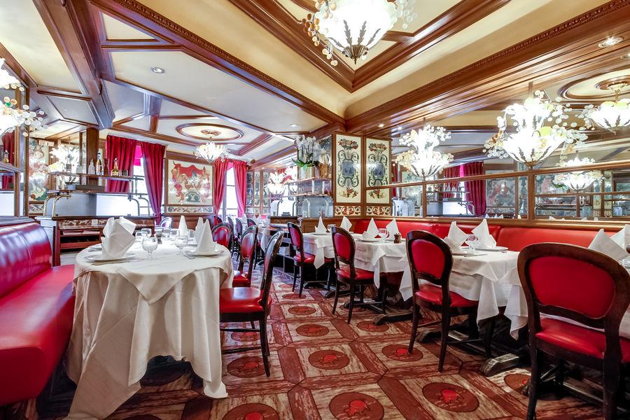 Restaurant Au Pied de Cochon Salon