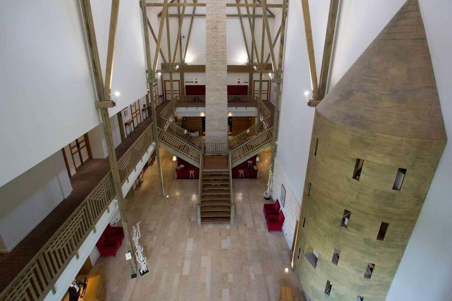 Parc Astérix Conventions & Séminaires Lobby Hôtel Les Trois Hiboux