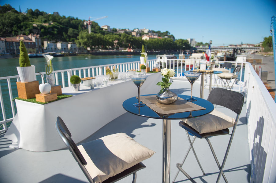 Lyon City Boat - Croisières privatives Terrasse