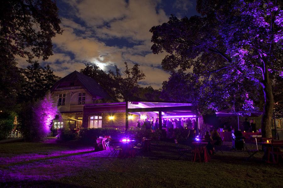 La Terrasse du Jardin By Night