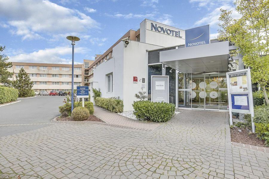 Novotel Cergy Pontoise **** Façade