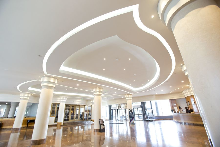 Hilton Paris Charles de Gaulle Airport **** Lobby