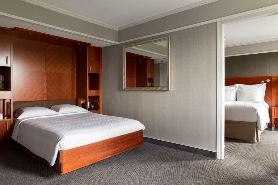 Paris Marriott Rive Gauche **** Family room