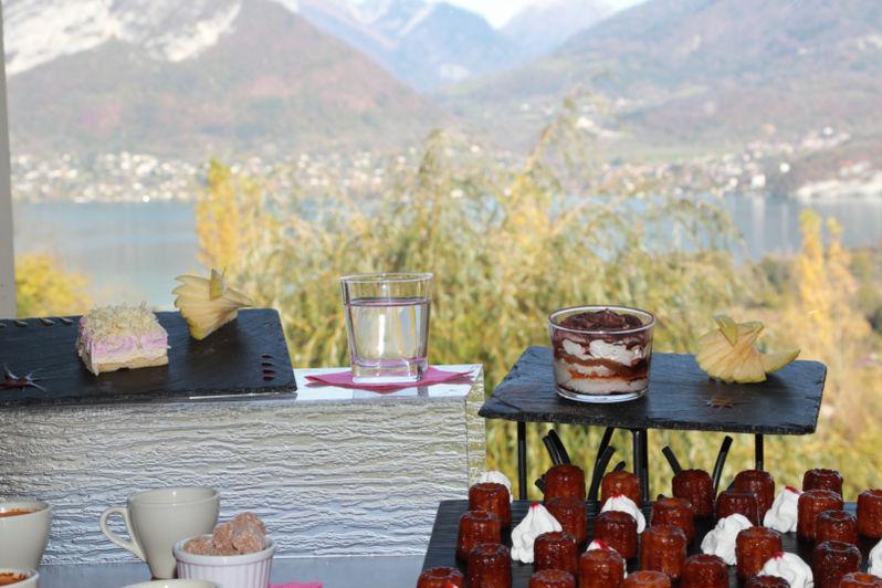 Neaclub les Balcons du lac d'Annecy pause côté lac