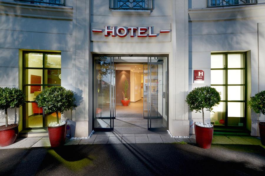 L'Hôtel de Berny **** Façade