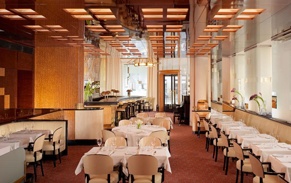 Hôtel Plaza Athénée Paris ***** Restaurant Le Relais Plaza