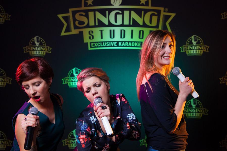SINGING STUDIO 13