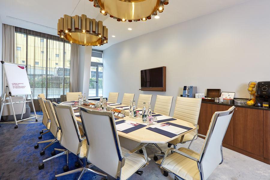 Crowne Plaza Paris - Charles de Gaulle Boardroom